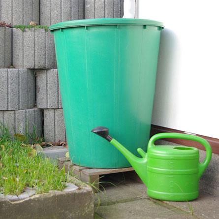 Die grüne Wassertonne